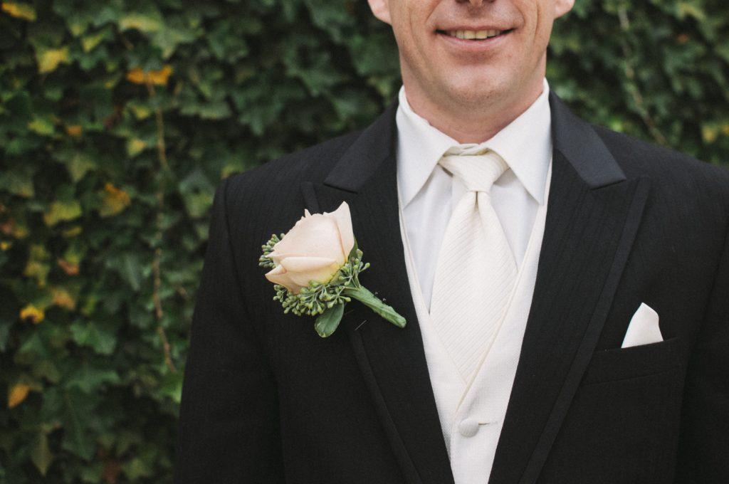 corsage männer outfit hochzeit